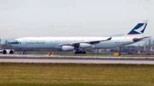 cathay-pacific-cp-8668811-306x172