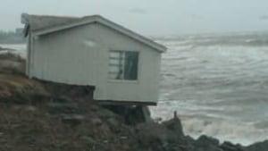 tp-nb-cottage-storm