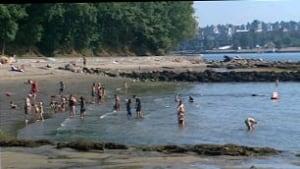 bc-090728-vancouver-heat-beach