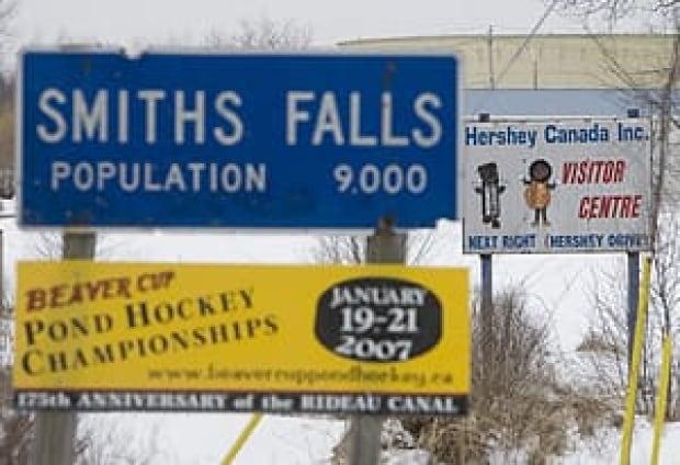 ottawa-091210-cp-smiths-falls-sign-2859651