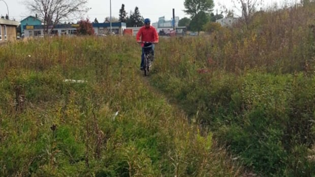 Thunder Bay is developing a trail that will help people get safely across town, and avoid traffic on Memorial Avenue, according to the city's active transportation co-ordinator.