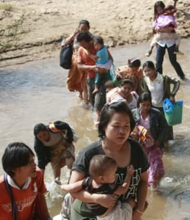 burma-refugees-cp-9715028