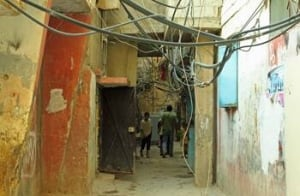 ayed-wires-alley-hang