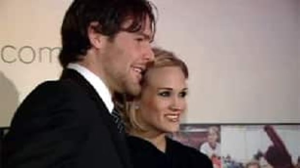 ottawa-100126-mike-fisher-carrie-underwood