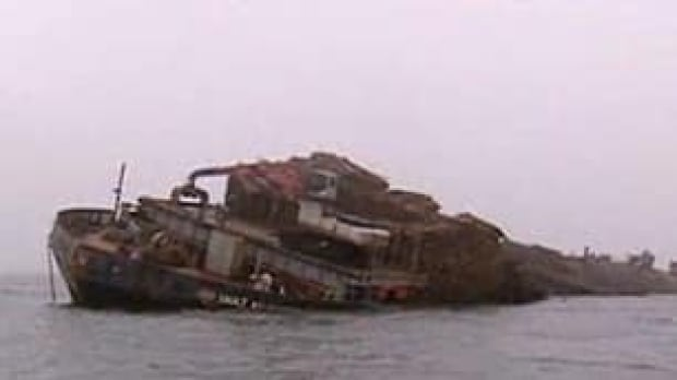 ns-barge-aground