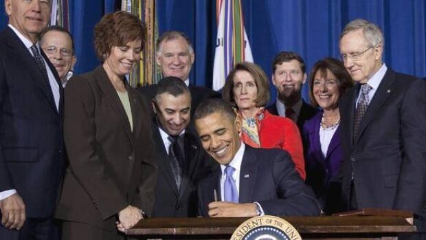 w-obama-sign-cp-9930240