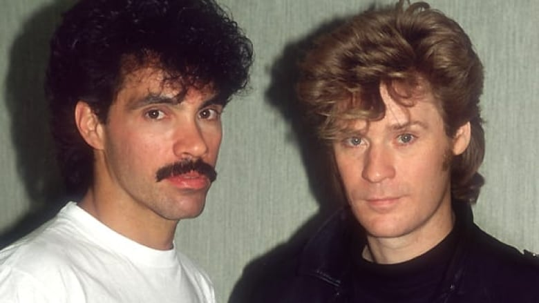 The hall and oates revival cbc news daryl hall right with john oates in 1987 during the height of their fame as pop duo hall and oates dave hoganhulton archivegetty images m4hsunfo