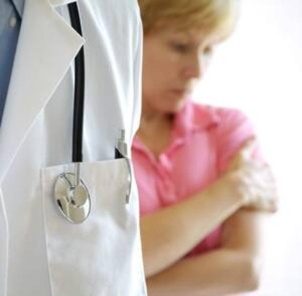 istock-300-patient-doctor