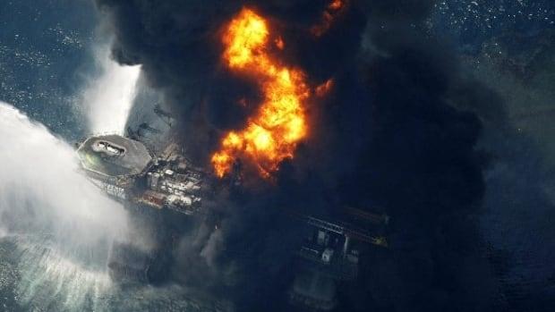deepwater-oil-rig-blast-ap-8527781