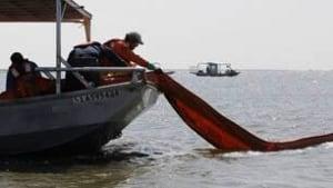oil-spill-boom306x172