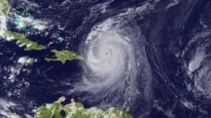 tp-hurricane-earl-cp-rtr2hq