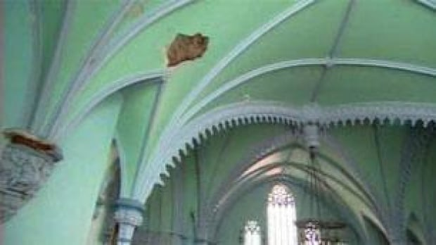st-james-church-ceiling-1008