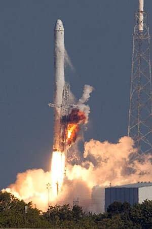 101208-falcon-9-liftoff-reuters-rtxvj8o-300px