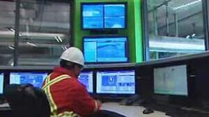 cgy-enmax-energy-worker