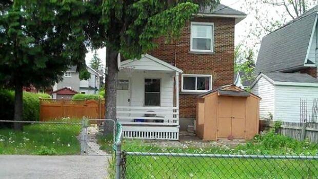 ottawa-100519-western-avenue-home