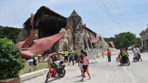 hi-bc-131016-earthquake-church