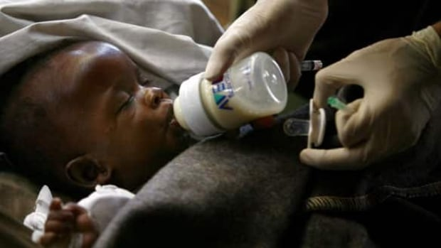 w-haiti-baby-feed-cp-796573