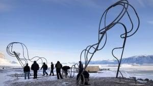arctic-sculpture-RTR2BS79