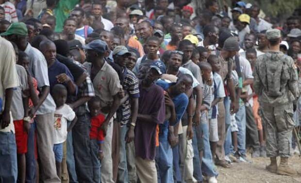 haiti-crowds-cp-7978917