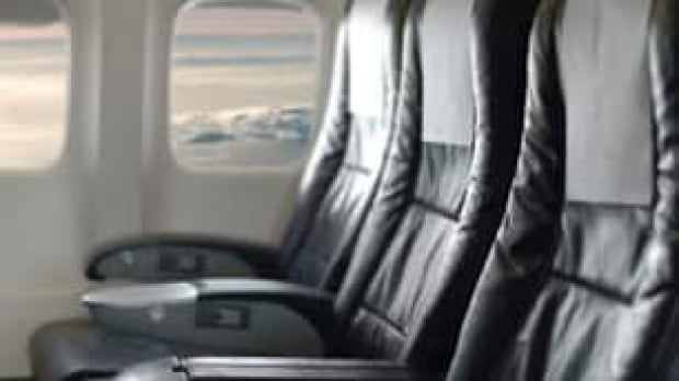airplane-seats-is000005619046-306x172