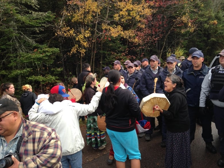 Mounties may have broken law during N.B. anti-fracking protests, says watchdog