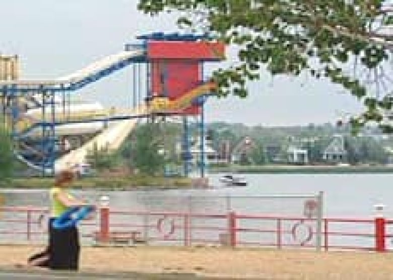 Cottagers call 'time out' for Sylvan Lake development | CBC News
