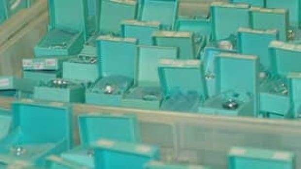 aa24c3bd2f4 Ottawa couple accused in fake jewelry scam