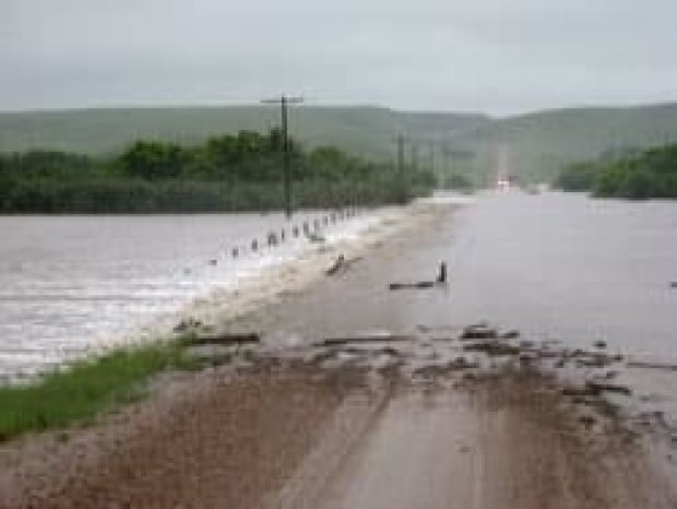 cgy-irvine-flood-road