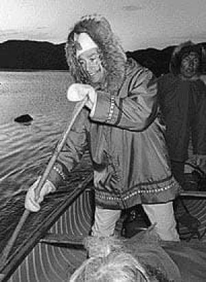 pierre-trudeau-fur-paddle-1
