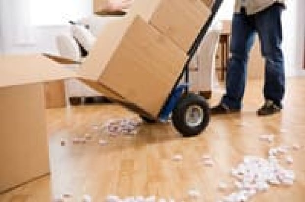 moving-is-000005644215-200x133