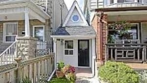 Toronto 39 S 39 Tiny House 39 For Sale Toronto Cbc News