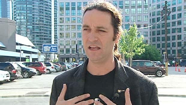 Comedian Guy Earle told CBC News he made some offensive comments to silence some hecklers.