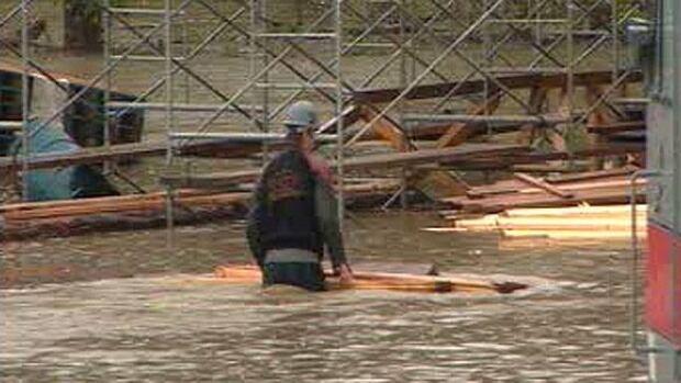 mtl-sherbrooke-flood-large