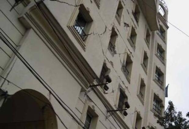 Haiti-Cracked-building-392