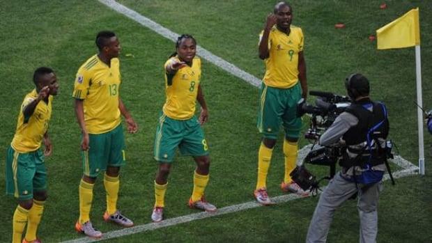 tshabalala-siphiwe100611get