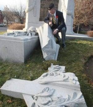 cenotaph-cp-7681276-312