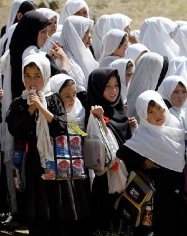 afghan-girls-cp-7390974