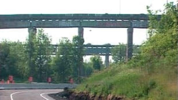 mtl-mercier-bridge-kahnawake