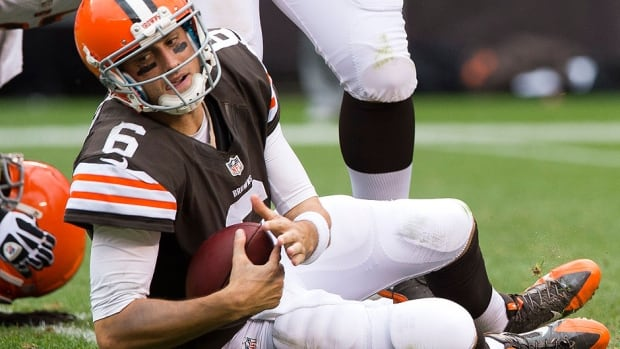 Browns quarterback Brian Hoyer has had surgery to repair a torn anterior cruciate ligament in his right knee. He was injured in an Oct. 3 game against Buffalo when he slid awkwardly at the end of a scramble.