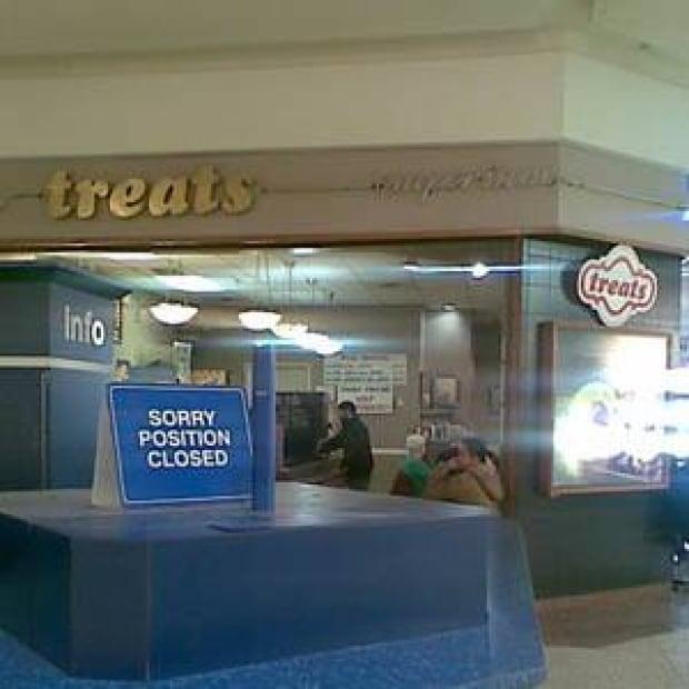 ottawa-100412-treats-herongate