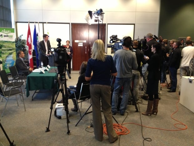 CN, Alberta and Parkland County officials update media