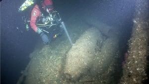 Diver on Zaliski wreck