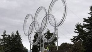306-olympic-rings-090301cp