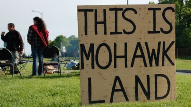 Residents of Akwesasne do not consider themselves as belonging to any one province, and are protective of their rights on their land, as in 2009 when they staged a protest over the arming of border guards.