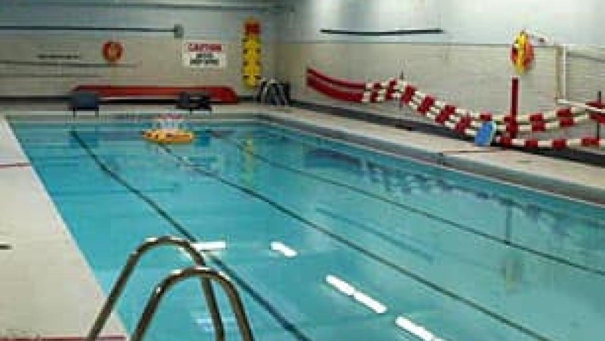 Toronto Public Pools Kept Open By Deal Toronto Cbc News