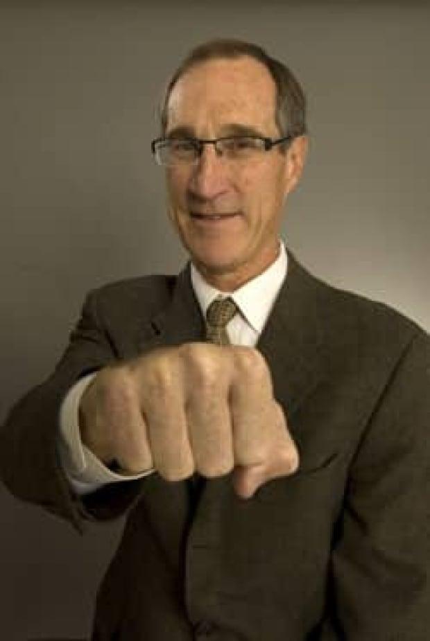 cgy-feasby-fist-bump