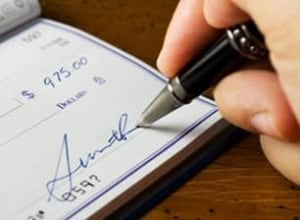 istock-cheque-sign-stock