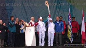 bc-091030-first-torchbearers_306