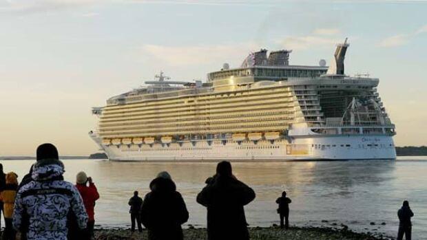w-cruise-ship-cp-7573861