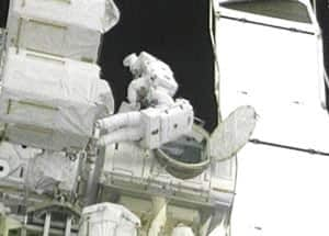 nasa-spacewalk-300